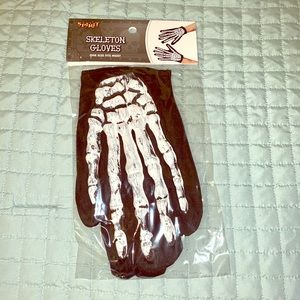 Skeleton gloves NWT